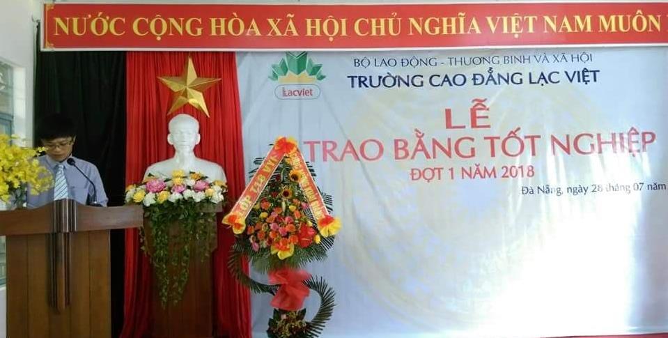 ThS. Nguyễn Tấn Minh trình bày báo cáo tổng kết khóa học