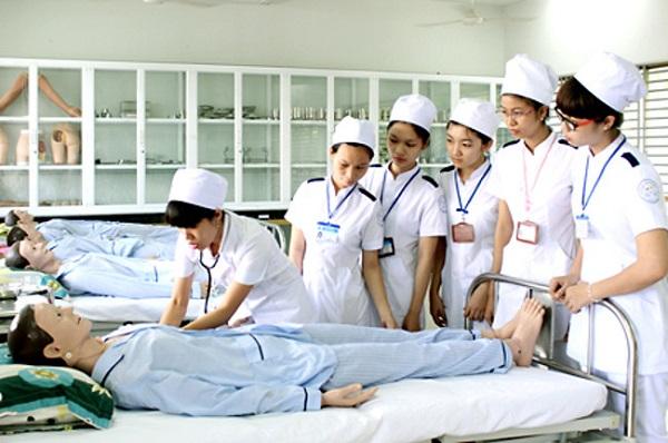 Tốt nghiệp y sĩ đa khoa ra trường làm gì
