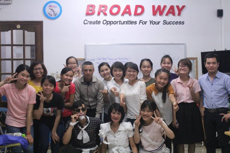 Trung Tâm Ngoại Ngữ Quốc tế Broad Way